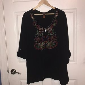 Tunic top 2X Multiples brand.